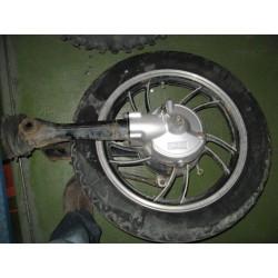 yamaha 650 rueda trasera usada completa con cardan y basculante