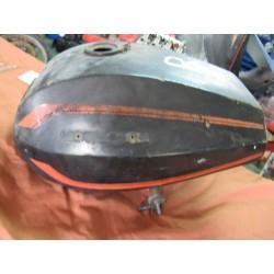 guzzi 350-400 deposito usado con 2 grifos