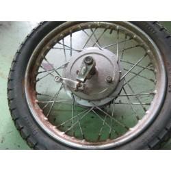 benelli guzzi 350, 500 rueda trasera completa usada