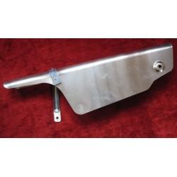 bultaco campo cubrecadena de aluminio con empblema y soporte