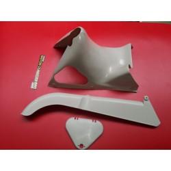 montesa impala y otras conjunto de carcasa tapa caja herramientas y cubrecadena en plastico crema