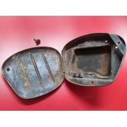 derbi cabeza de hormiga 125 250 y 350 caja de herramientas original con pomo y porta fusible